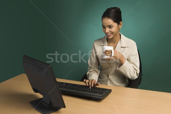 Imprenditrice lavoro ufficio Cup caffè donna Foto d'archivio © imagedb