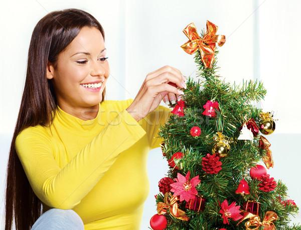 Kadın noel ağacı güzel genç kadın ev kutu Stok fotoğraf © imarin