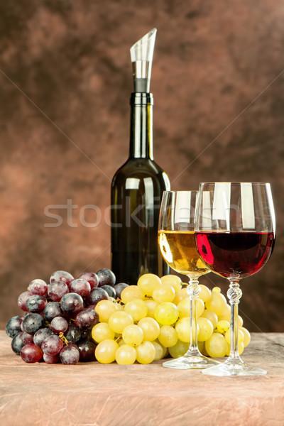 Bor szett borosüveg fényes csészék szőlő Stock fotó © imarin