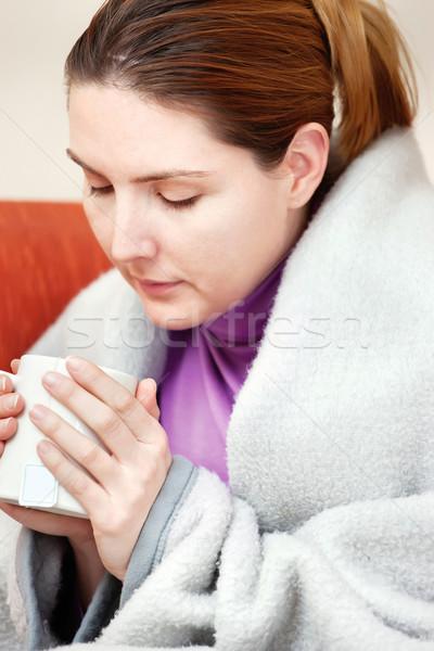 Ziek vrouw beker thee hand jonge Stockfoto © imarin