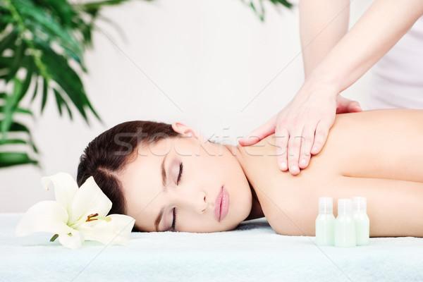 Frau Schulter Massage hübsche Frau Salon Mädchen Stock foto © imarin