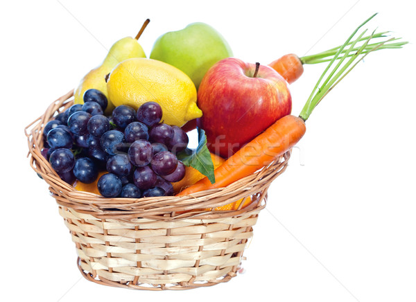 Gyümölcsök kosár zöldségek izolált fehér étel Stock fotó © imarin