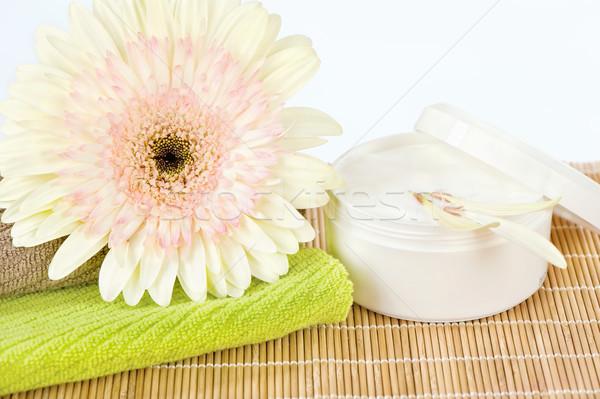 Gotowy pielęgnacja skóry produktu świeże kwiat górę Zdjęcia stock © imarin