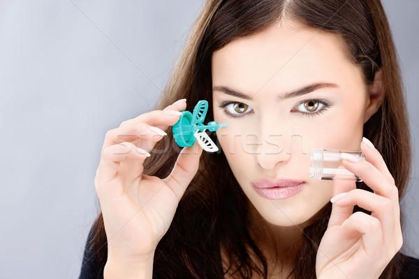 Mulher lavar caso mulher jovem Foto stock © imarin