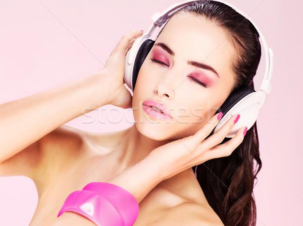 Stock fotó: Nő · fejhallgató · csinos · nő · szépség · ujj · kozmetikai