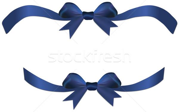 Mavi yay şerit hediye kalp yalıtılmış Stok fotoğraf © impresja26