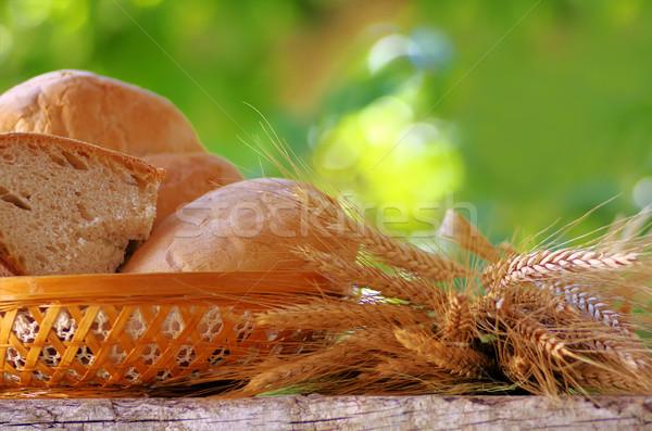Kosár kenyér búza asztal fa csoport Stock fotó © inaquim