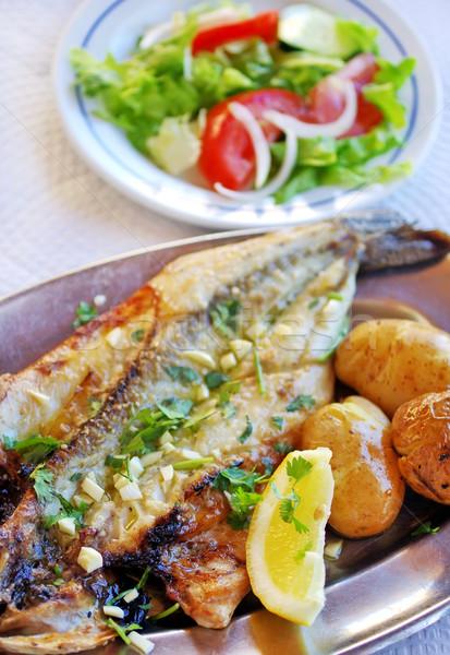 焼き 調理済みの 釣り サラダ オリーブ ストックフォト © inaquim