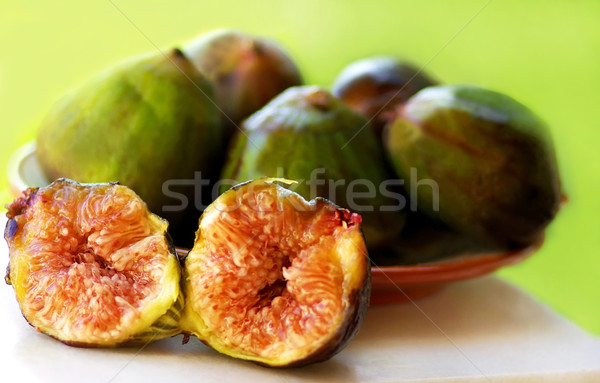 Olgun meyve incir yeşil arka plan grup Stok fotoğraf © inaquim