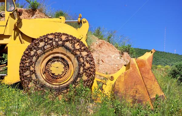 Velho amarelo escavadeira mármore construção trabalhar Foto stock © inaquim