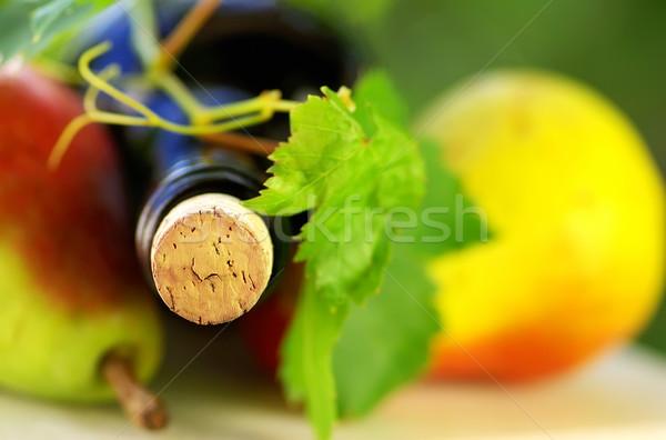 şişe şarap meyve asma elma arka plan Stok fotoğraf © inaquim