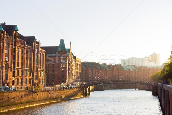 Hamburgo armazém distrito tarde ensolarado tarde Foto stock © IngaNielsen