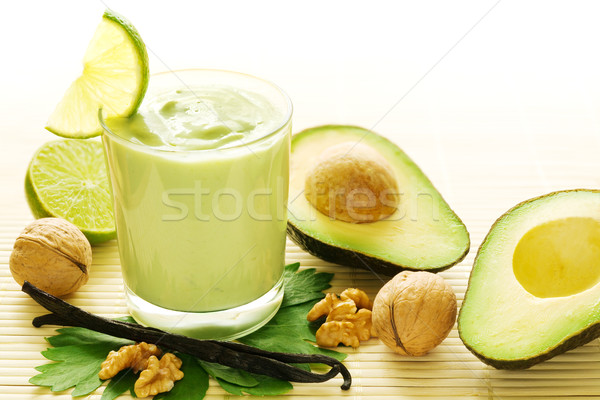 Avocat vanille smoothie fraîches fruits vert Photo stock © IngaNielsen