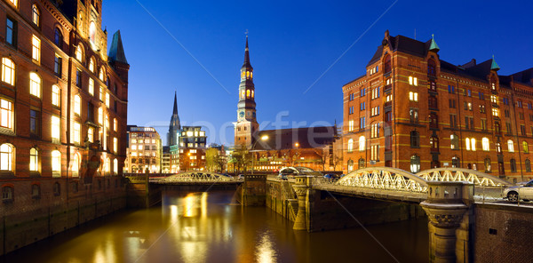 Hamburgo noche almacén distrito vista ciudad Foto stock © IngaNielsen