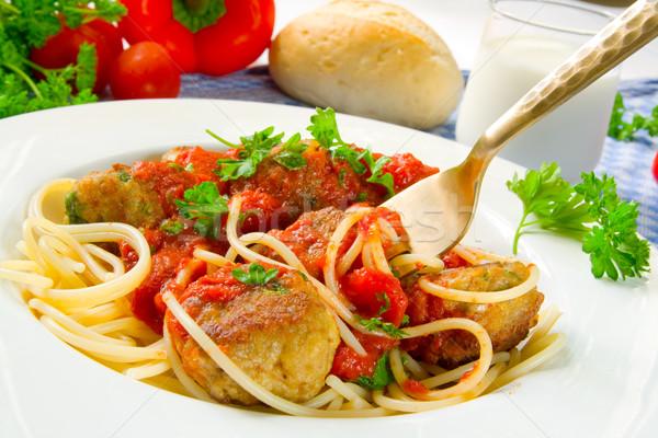 Stock fotó: Spagetti · húsgombócok · fehér · tányér · paradicsomszósz · tészta
