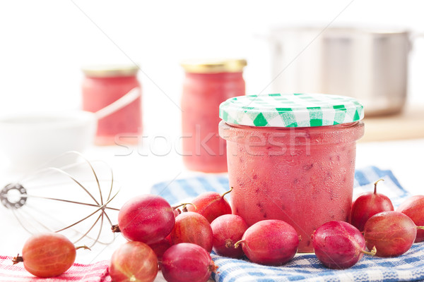 preparation of jam and jelly Under the 1906 act  bred-spred typified the kind of inferior product that had begun to compete with the products of traditional jam and jelly manufacturers.