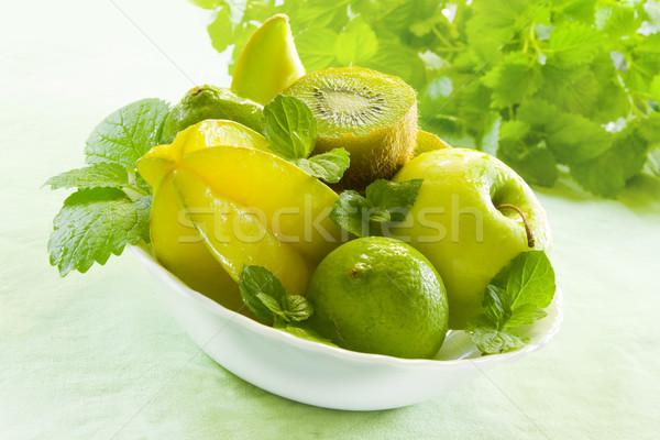 Vert fruits blanche bol fraîches pommes Photo stock © IngaNielsen