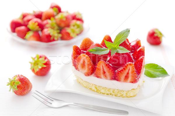 Klein stuk aardbeien zomer vruchten Stockfoto © IngaNielsen