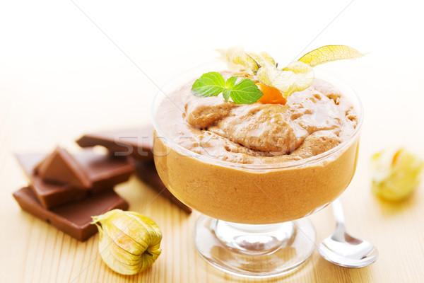 Kom chocolademousse heerlijk chocolade vruchten vruchten Stockfoto © IngaNielsen