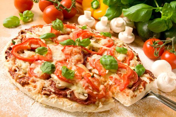 Pizza gesunden hausgemachte Vegetarier Gemüse Essen Stock foto © IngaNielsen