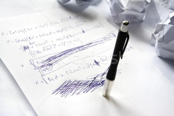 Matematyka trudności kawałek papieru równanie nie Zdjęcia stock © IngaNielsen