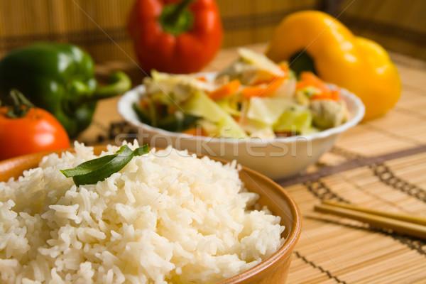ázsiai konyha rizs ázsiai étel tyúk zöldségek Stock fotó © IngaNielsen