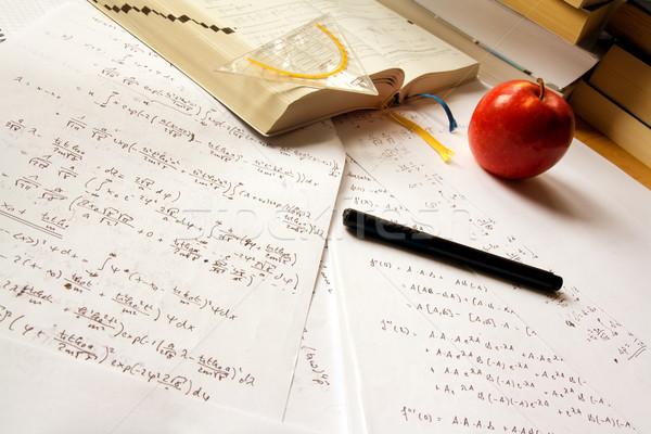 Fizika asztal könyvek nyitott könyv ceruza szett Stock fotó © IngaNielsen