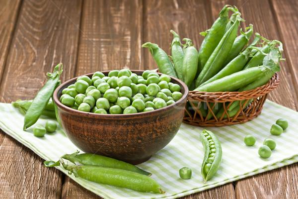 綠色 豌豆 陶瓷 碗 木 吃 商業照片 © IngridsI