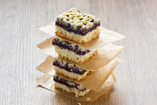 Zwarte bes taart bars eigengemaakt heerlijk Stockfoto © IngridsI