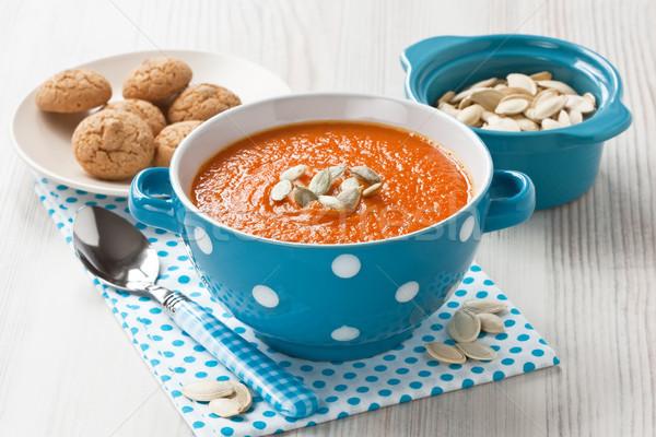 Sütőtök leves magok sütik kék tál Stock fotó © IngridsI