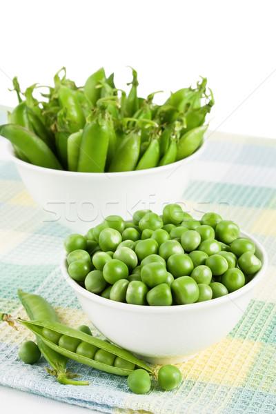 Groene zoete erwten organisch twee kom Stockfoto © IngridsI