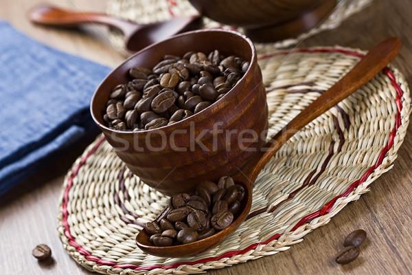 Kávé pörkölt kávé fából készült tál kanál Stock fotó © IngridsI