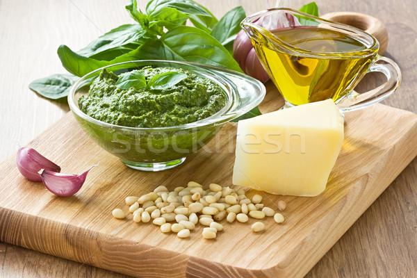 Pesto basilicum saus vers bestanddeel houten Stockfoto © IngridsI