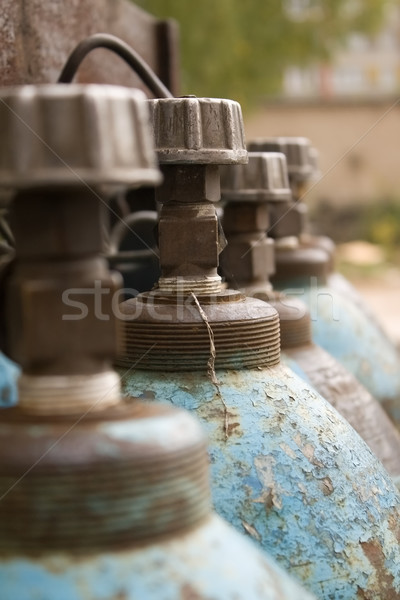 Primer plano azul gas pared botella industrial Foto stock © inoj