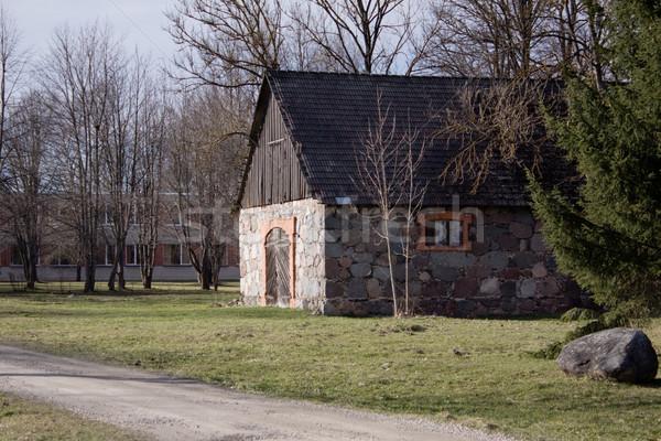 Régi ház tavasz fű építkezés otthon kert Stock fotó © inoj
