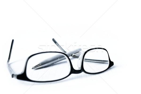 Gözlük kalem yalıtılmış beyaz Stok fotoğraf © inoj