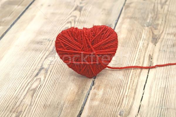 Corazón rojo lana hilados madera amor Foto stock © inxti