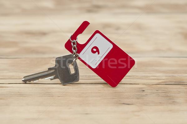 Hotel lakosztály kulcs szoba szám fa asztal Stock fotó © inxti