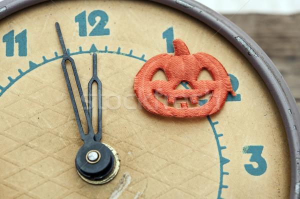 Tizenkettő óra narancs űr ősz retro Stock fotó © inxti