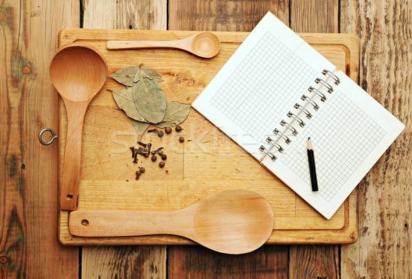 Cuaderno recetas especias mesa de madera alimentos pluma Foto stock © inxti