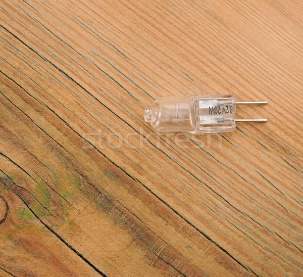 Photo stock: Halogène · ampoule · table · en · bois · verre · fond · pouvoir