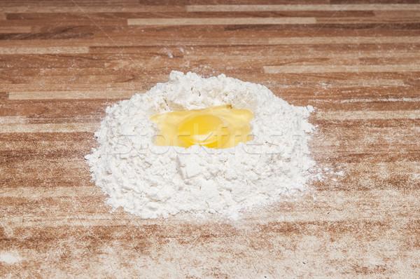 Törött tojás liszt készít kenyér nő Stock fotó © inxti