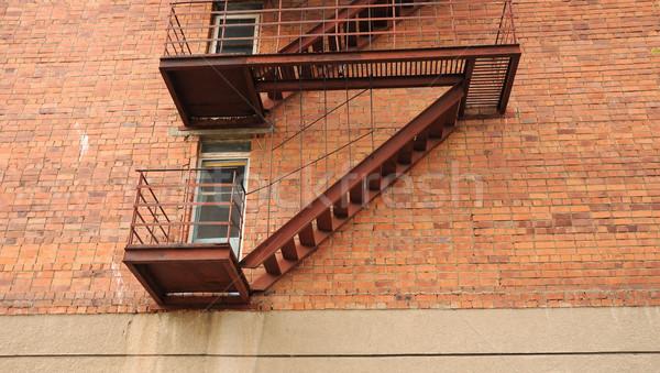 Yangın kaçış Bina tuğla güvenlik merdiven Stok fotoğraf © inxti
