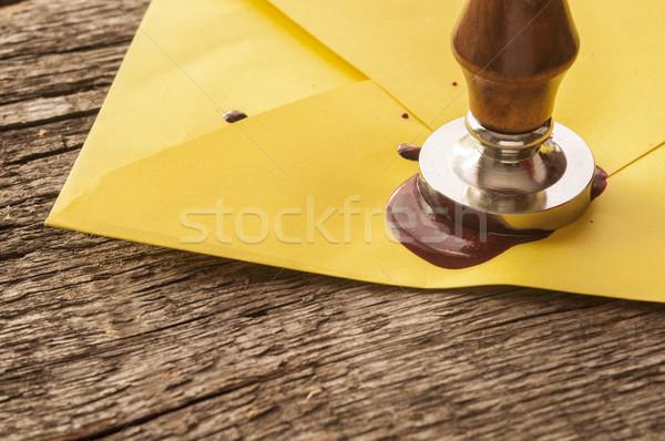 Velho e-mail envelope vermelho cera selar Foto stock © inxti