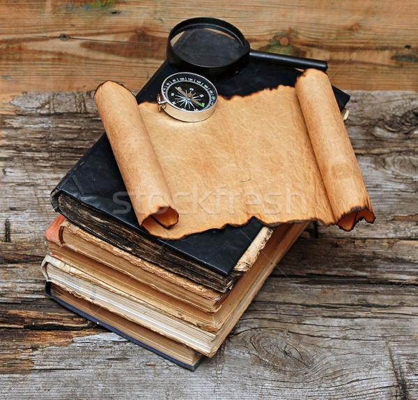 ストックフォト: スタック · アンティーク · 図書 · コンパス · 虫眼鏡 · 紙
