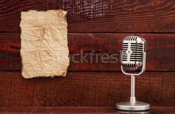 Retro microfoon tabel blanco papier ruimte tekst Stockfoto © inxti