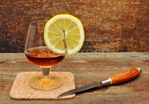 Classique cognac citron couteau bois maison Photo stock © inxti