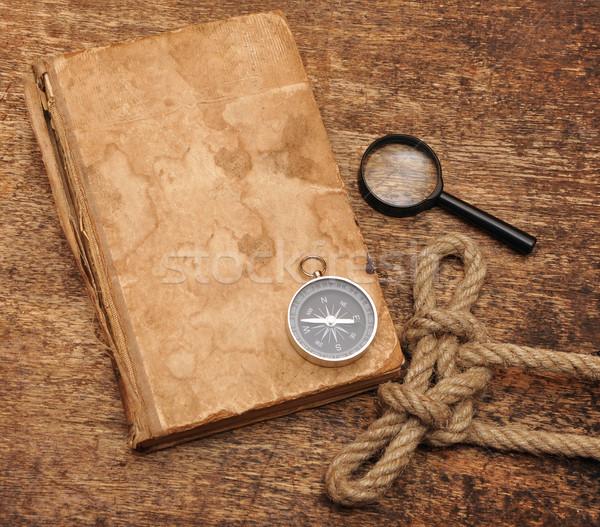 古本 コンパス 虫眼鏡 木材 紙 図書 ストックフォト © inxti