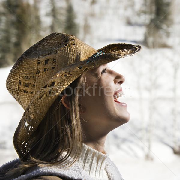 Kobieta cowboy hat młodych śmiechem Zdjęcia stock © iofoto