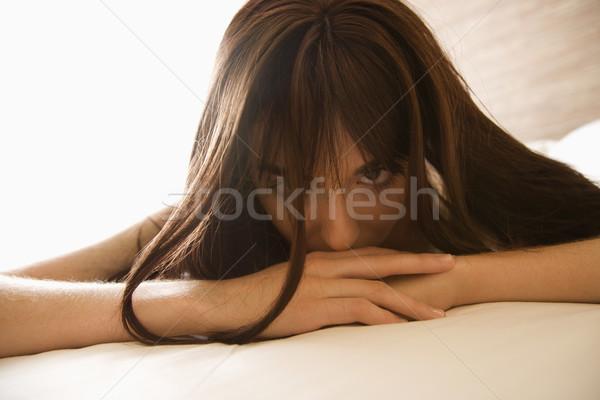 Vrouw bed mooie jonge kaukasisch Stockfoto © iofoto